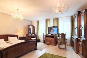 Central classic apartment