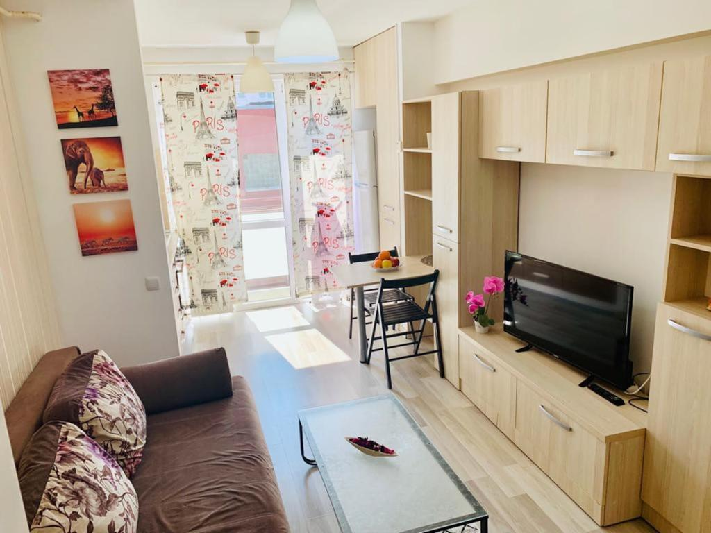 Emma accommodation - clean and comfortable apartment Iaşi